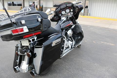 2005 Harley-Davidson FLHTCUI Ultra Classic® Electra Glide® in Carroll, Iowa - Photo 14