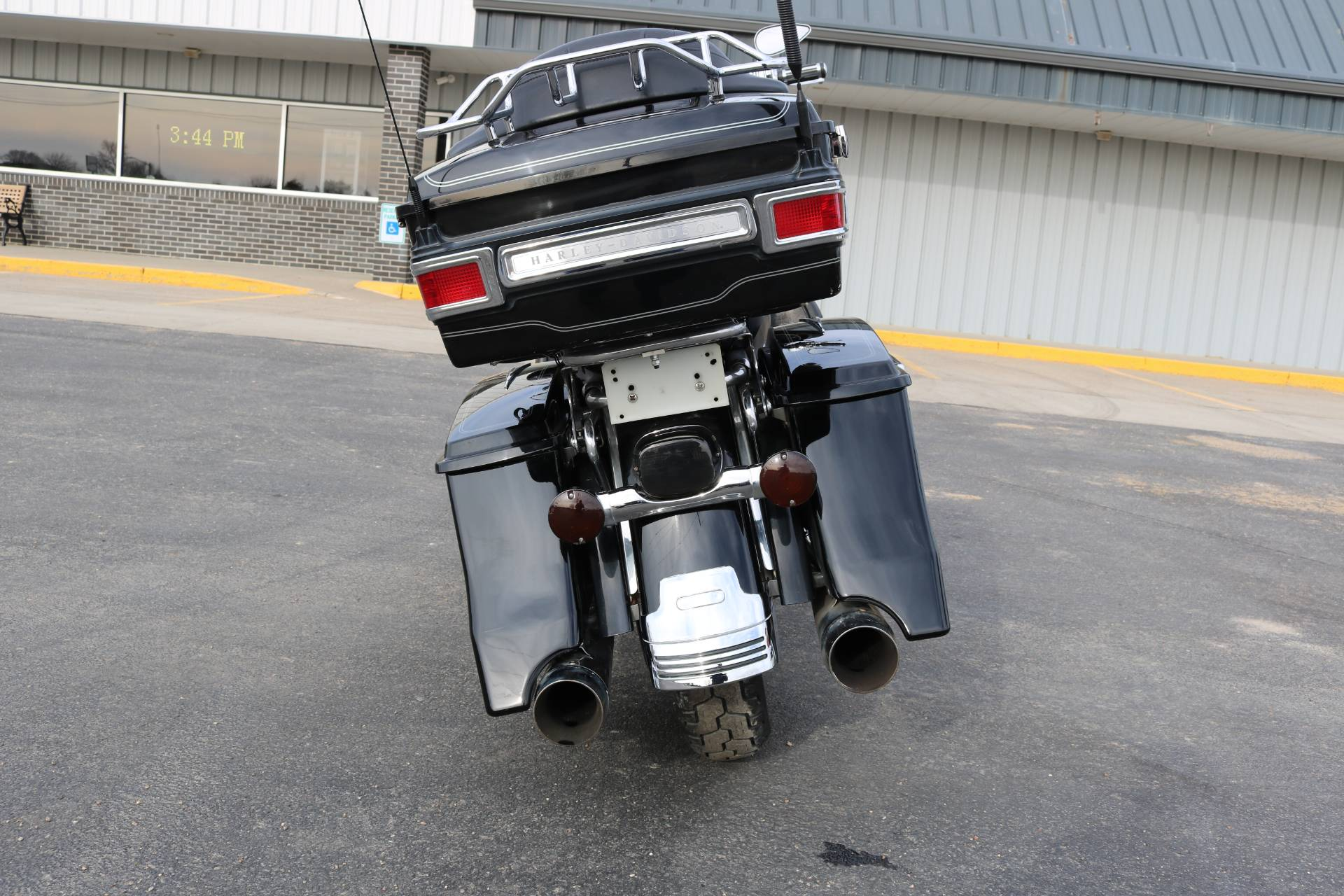 2005 Harley-Davidson FLHTCUI Ultra Classic® Electra Glide® in Carroll, Iowa - Photo 15