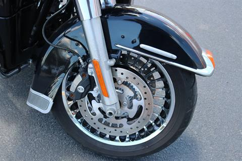 2013 Harley-Davidson Electra Glide® Ultra Limited 110th Anniversary Edition in Carroll, Iowa - Photo 6