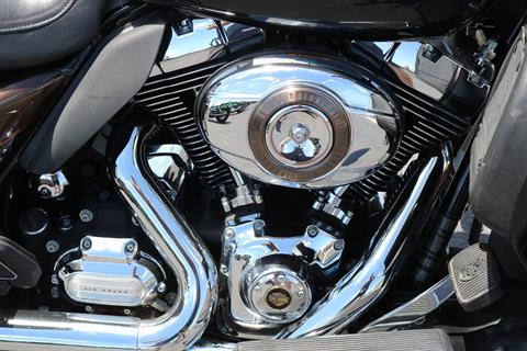 2013 Harley-Davidson Electra Glide® Ultra Limited 110th Anniversary Edition in Carroll, Iowa - Photo 9