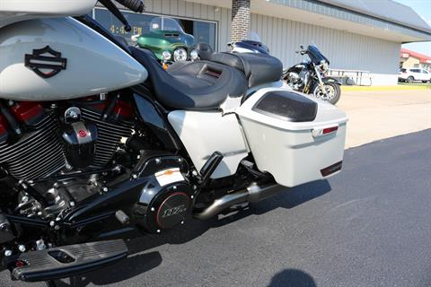 2020 Harley-Davidson CVO™ Street Glide® in Carroll, Iowa - Photo 3
