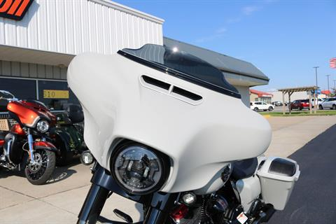 2020 Harley-Davidson CVO™ Street Glide® in Carroll, Iowa - Photo 4