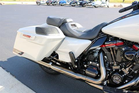 2020 Harley-Davidson CVO™ Street Glide® in Carroll, Iowa - Photo 8