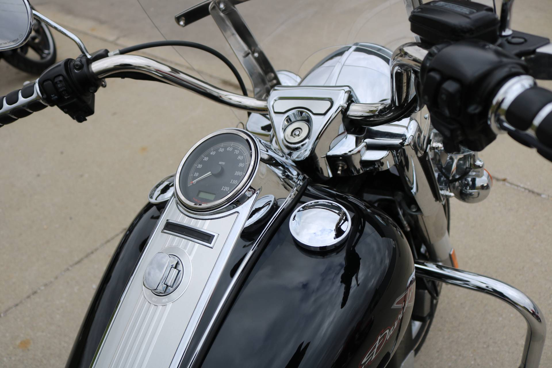 2012 Harley-Davidson Road King® in Carroll, Iowa - Photo 11