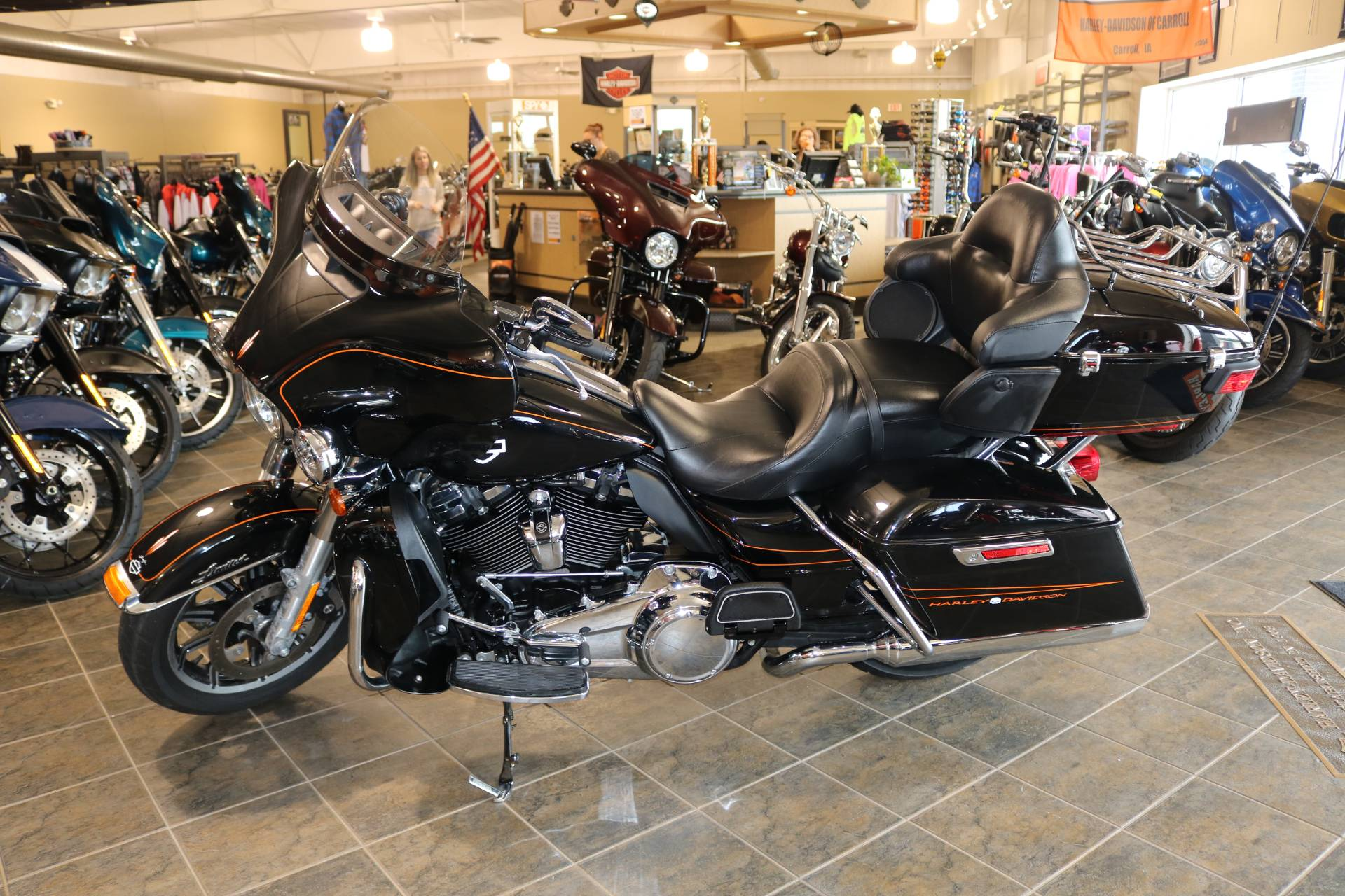 2016 Harley-Davidson Street Glide® Special in Carroll, Iowa - Photo 1