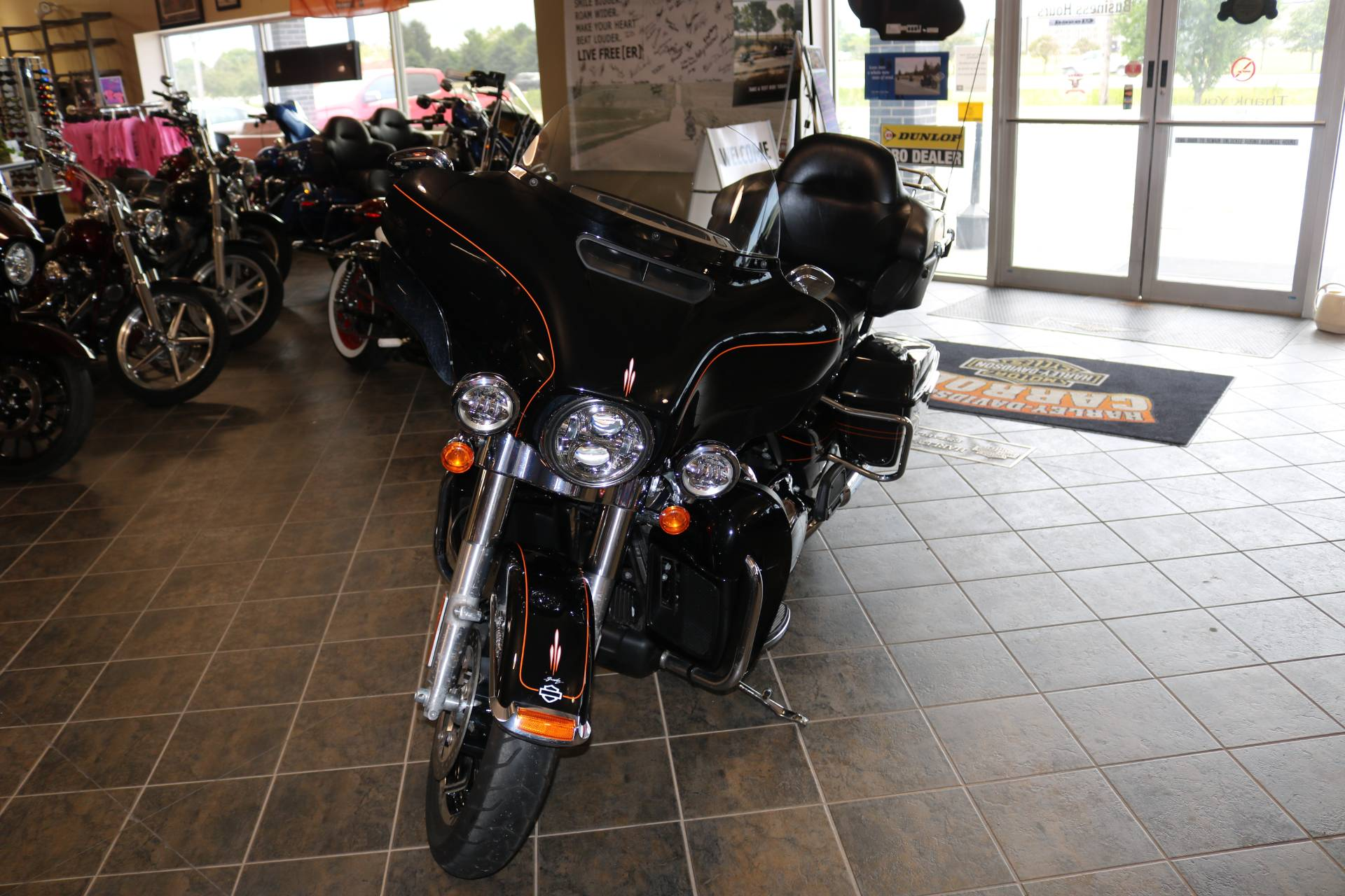 2016 Harley-Davidson Street Glide® Special in Carroll, Iowa - Photo 4
