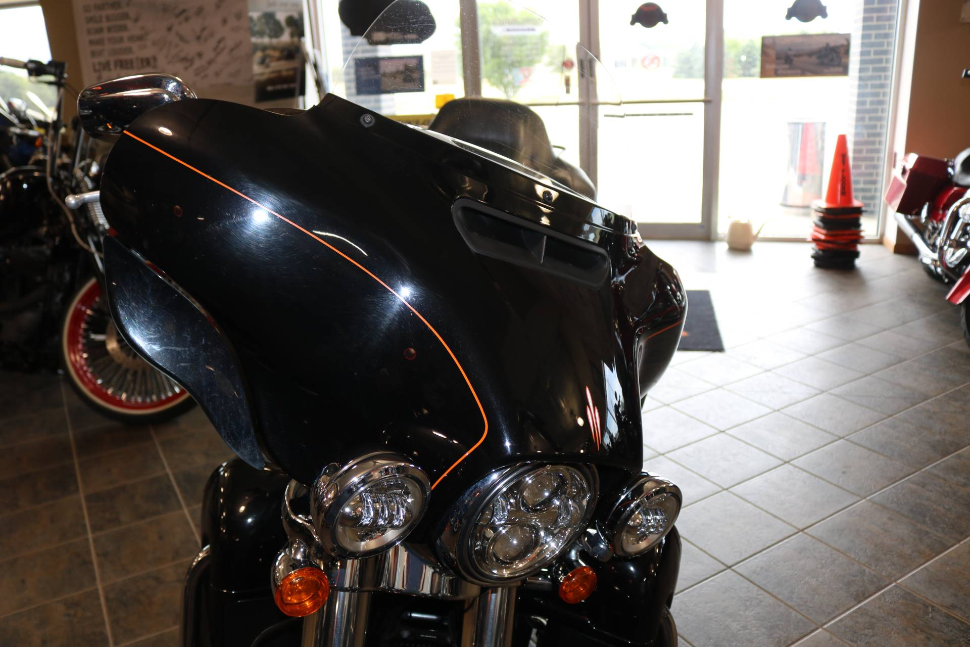 2016 Harley-Davidson Street Glide® Special in Carroll, Iowa - Photo 5