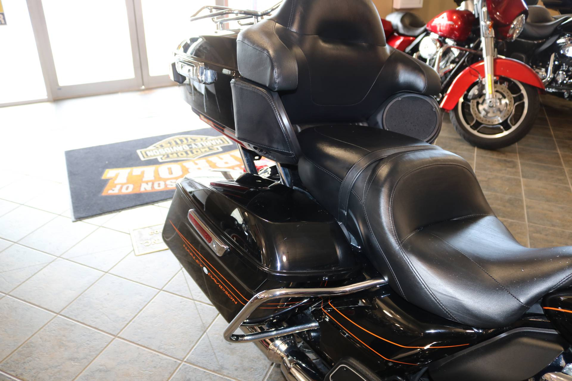 2016 Harley-Davidson Street Glide® Special in Carroll, Iowa - Photo 10