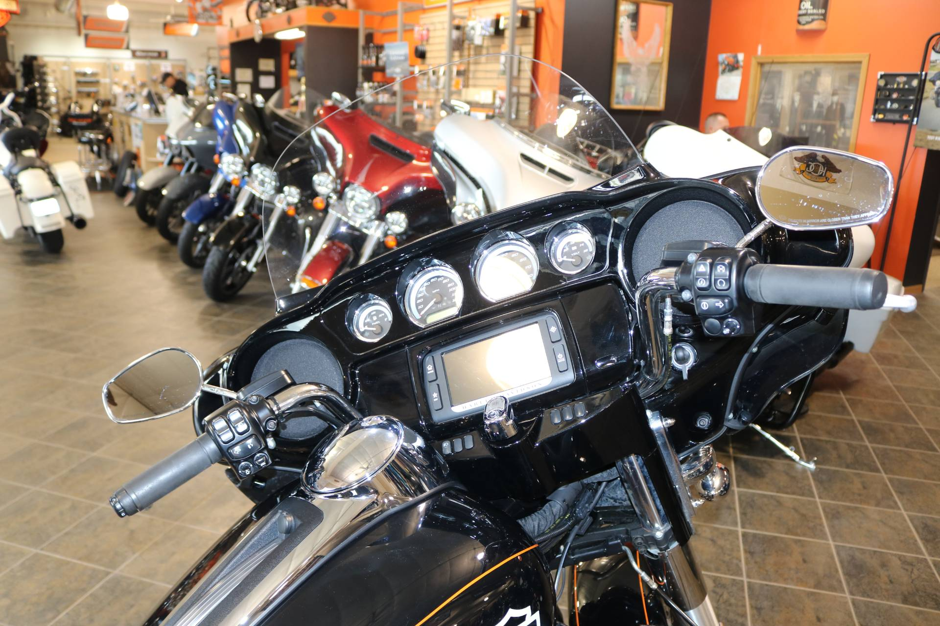 2016 Harley-Davidson Street Glide® Special in Carroll, Iowa - Photo 12