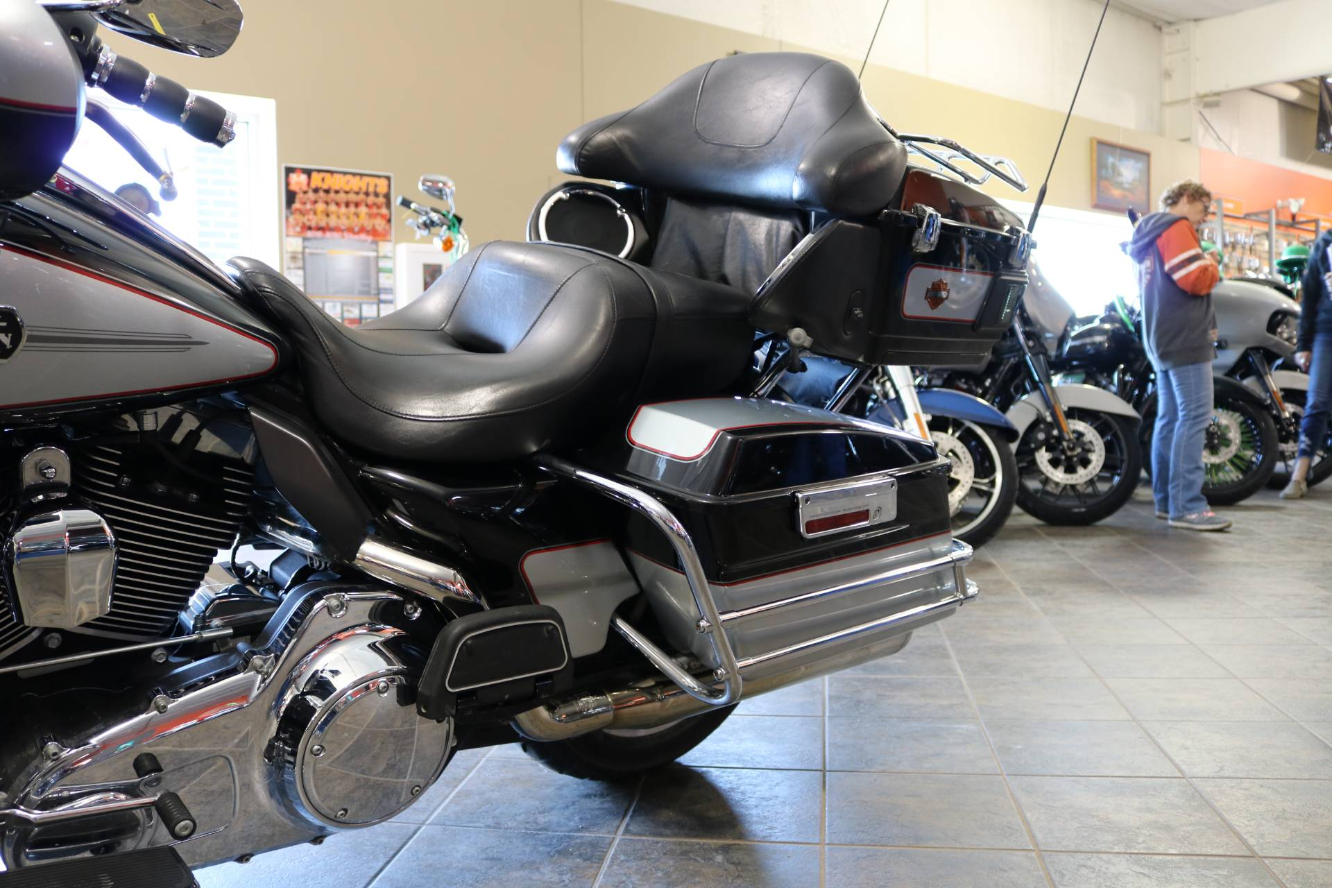 2011 Harley-Davidson Ultra Classic® Electra Glide® in Carroll, Iowa - Photo 3