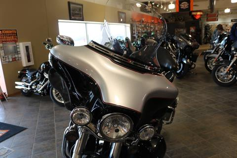 2011 Harley-Davidson Ultra Classic® Electra Glide® in Carroll, Iowa - Photo 5