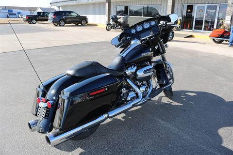 2017 Harley-Davidson Street Glide® Special in Carroll, Iowa - Photo 14