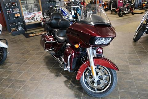 2017 Harley-Davidson Road Glide® Ultra in Carroll, Iowa - Photo 7