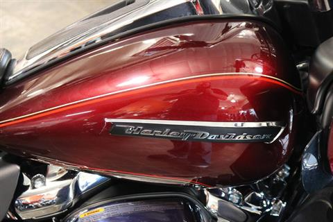 2017 Harley-Davidson Road Glide® Ultra in Carroll, Iowa - Photo 8