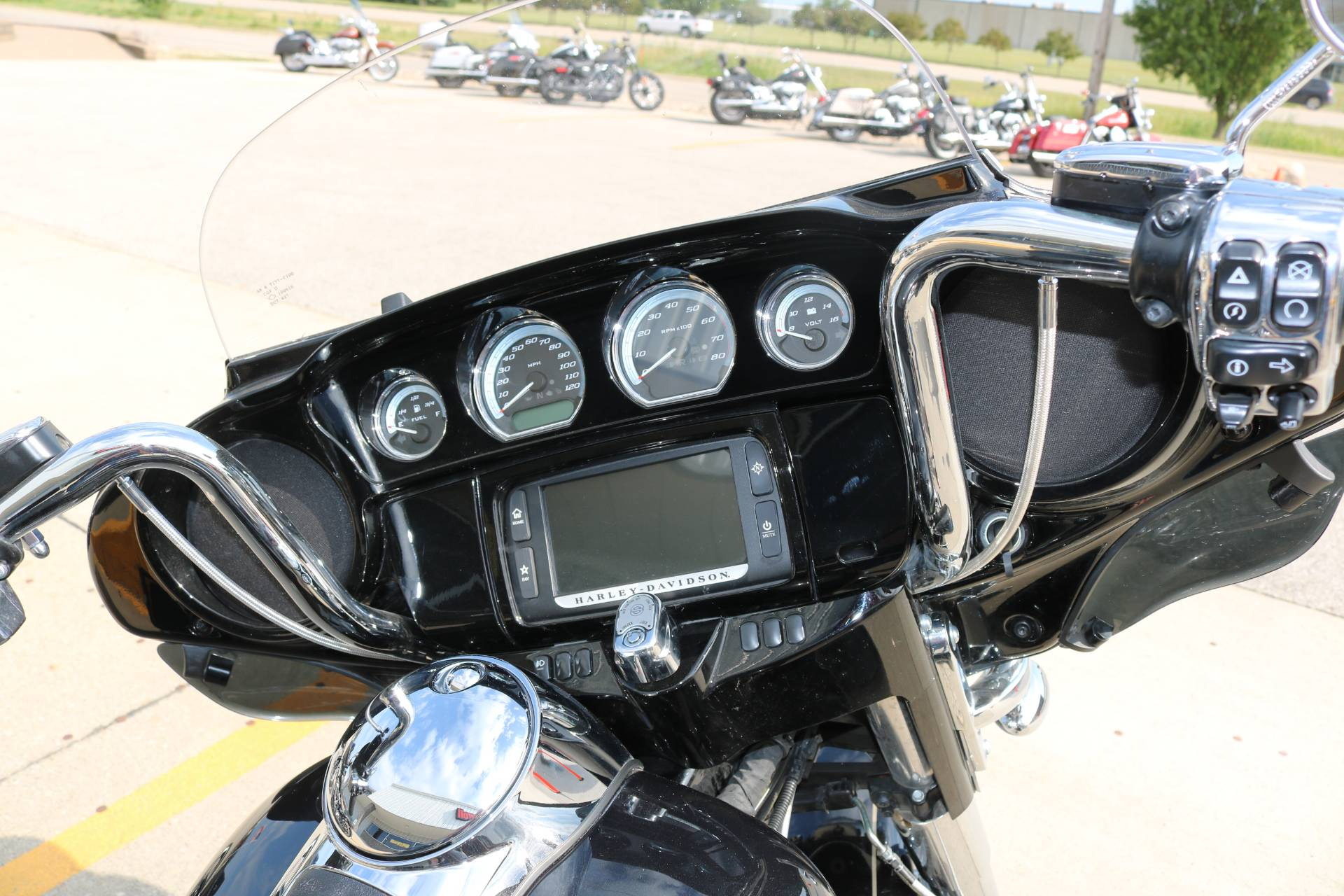 2016 Harley-Davidson Ultra Limited in Carroll, Iowa - Photo 11