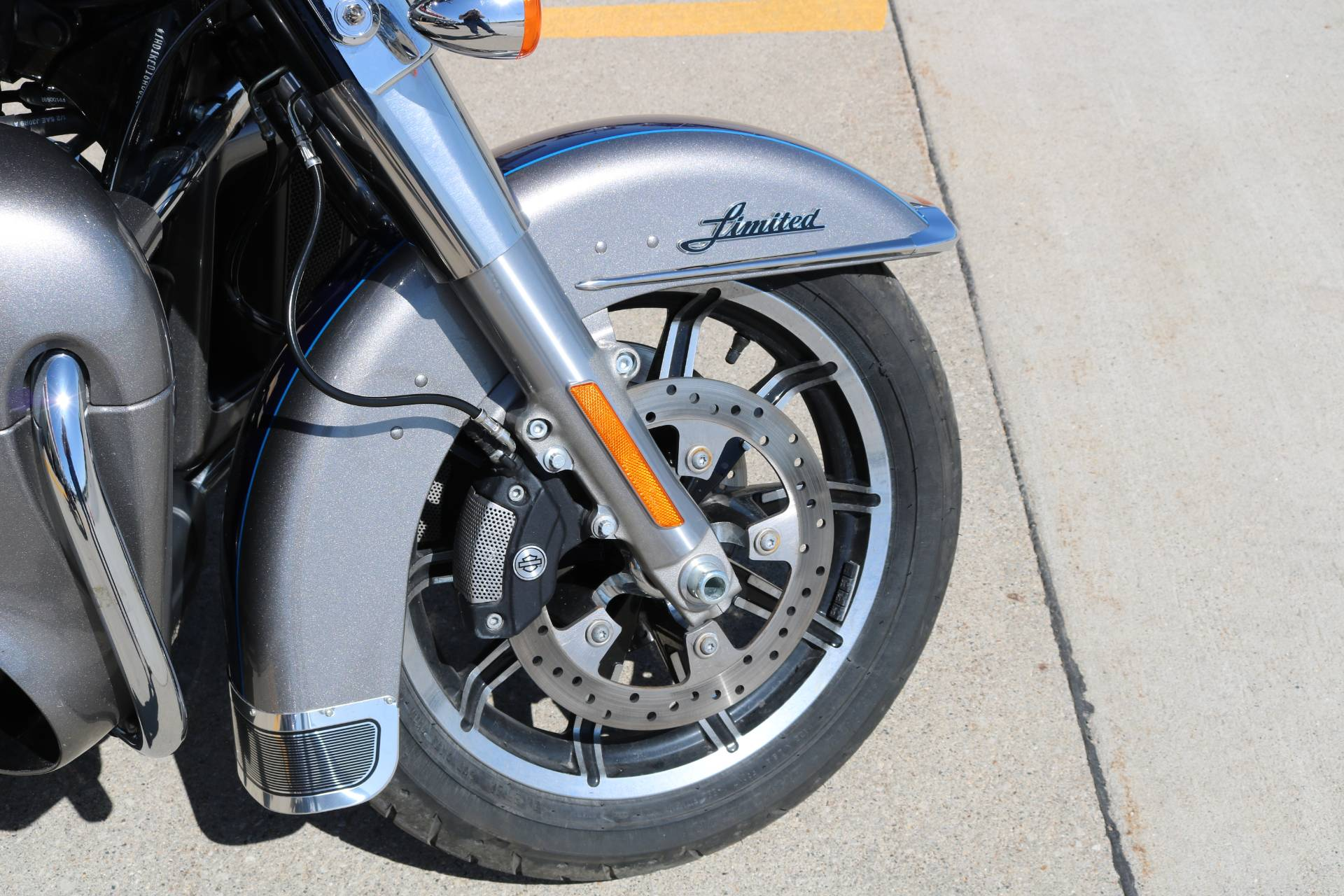 2017 Harley-Davidson Ultra Limited in Carroll, Iowa - Photo 5