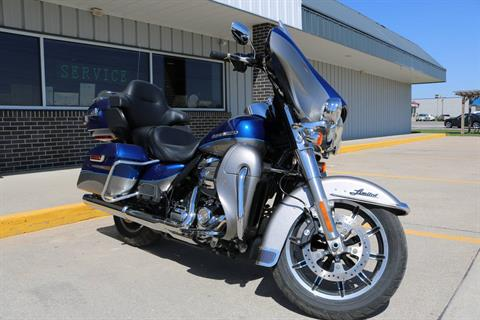 2017 Harley-Davidson Ultra Limited in Carroll, Iowa - Photo 14