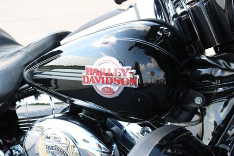 2007 Harley-Davidson Ultra Classic® Electra Glide® in Carroll, Iowa - Photo 6