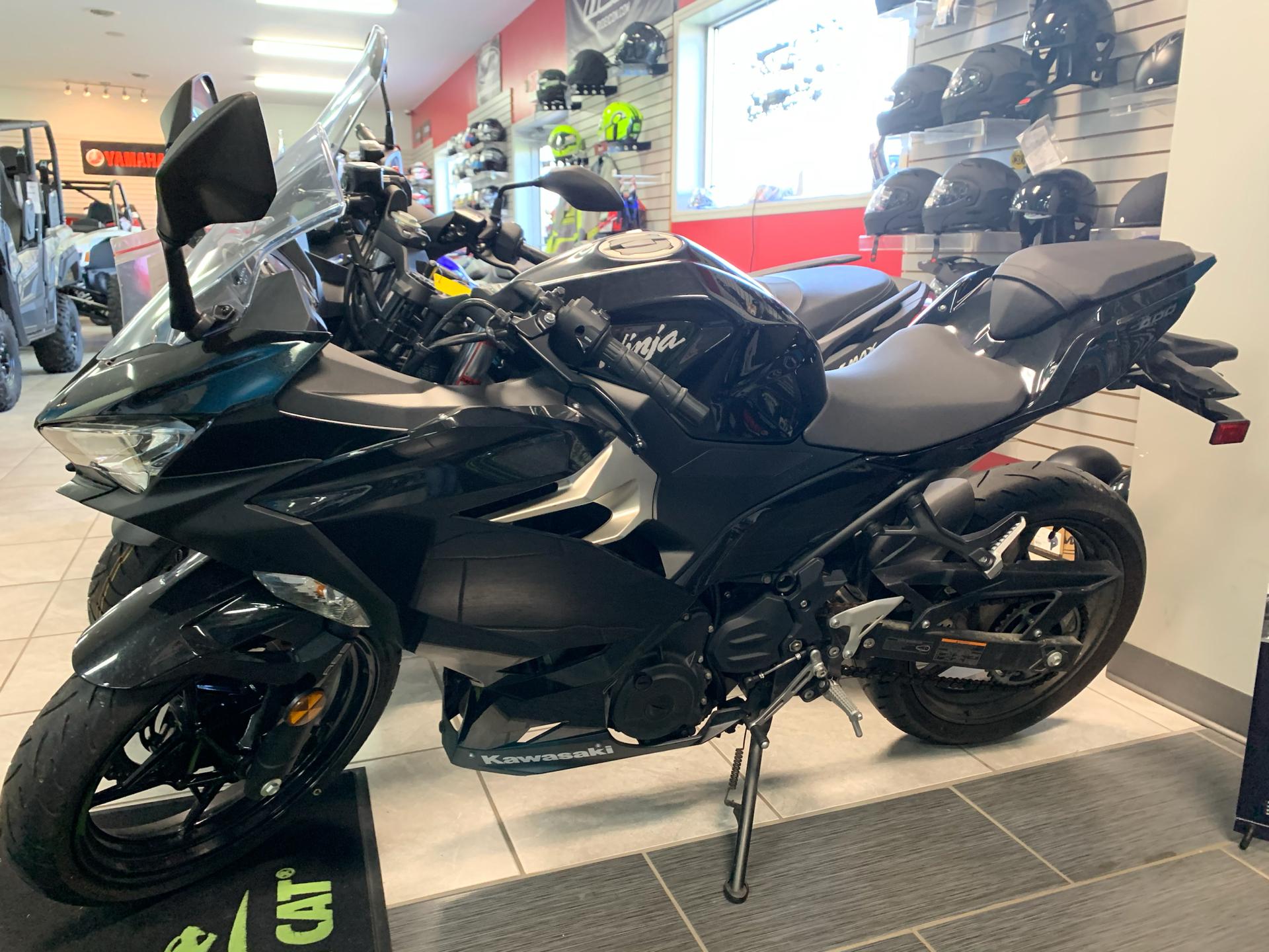 2018 Kawasaki Ninja 400 ABS 1
