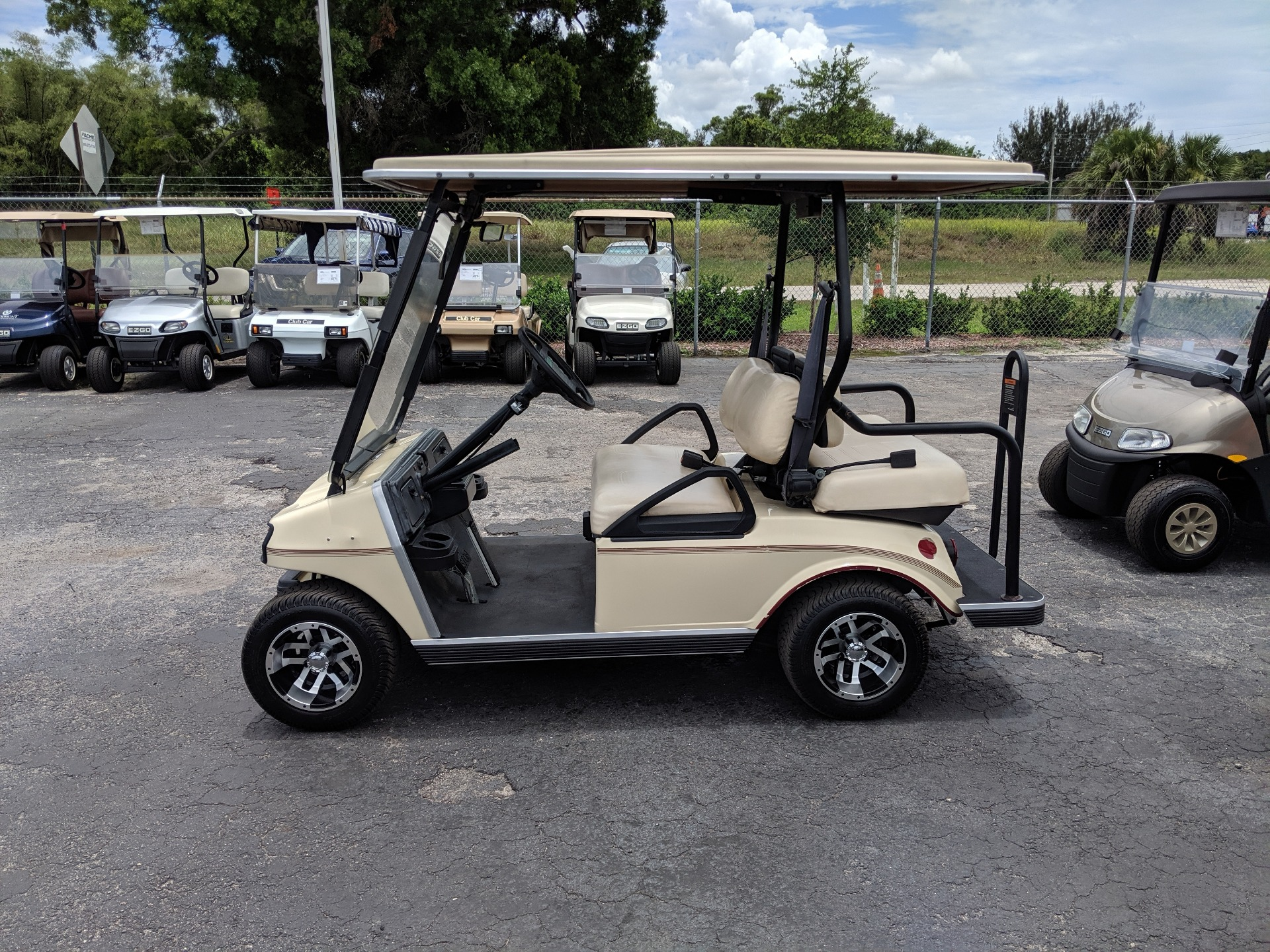 2003 Club Car Villager 4 Passenger in Fort Pierce, Florida - Photo 2