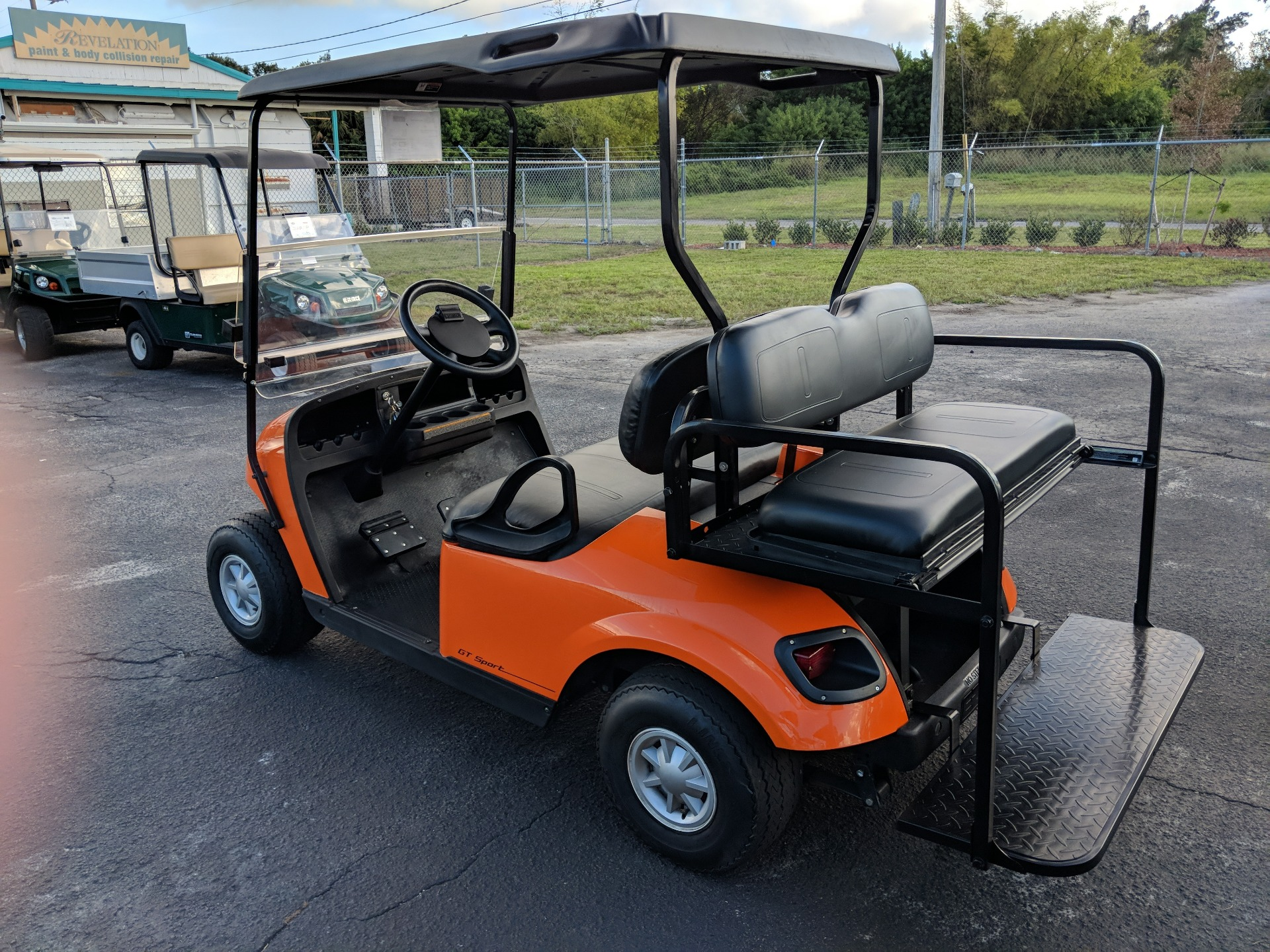 2015 E-Z-Go 4 Passenger TXT 48V in Fort Pierce, Florida - Photo 3