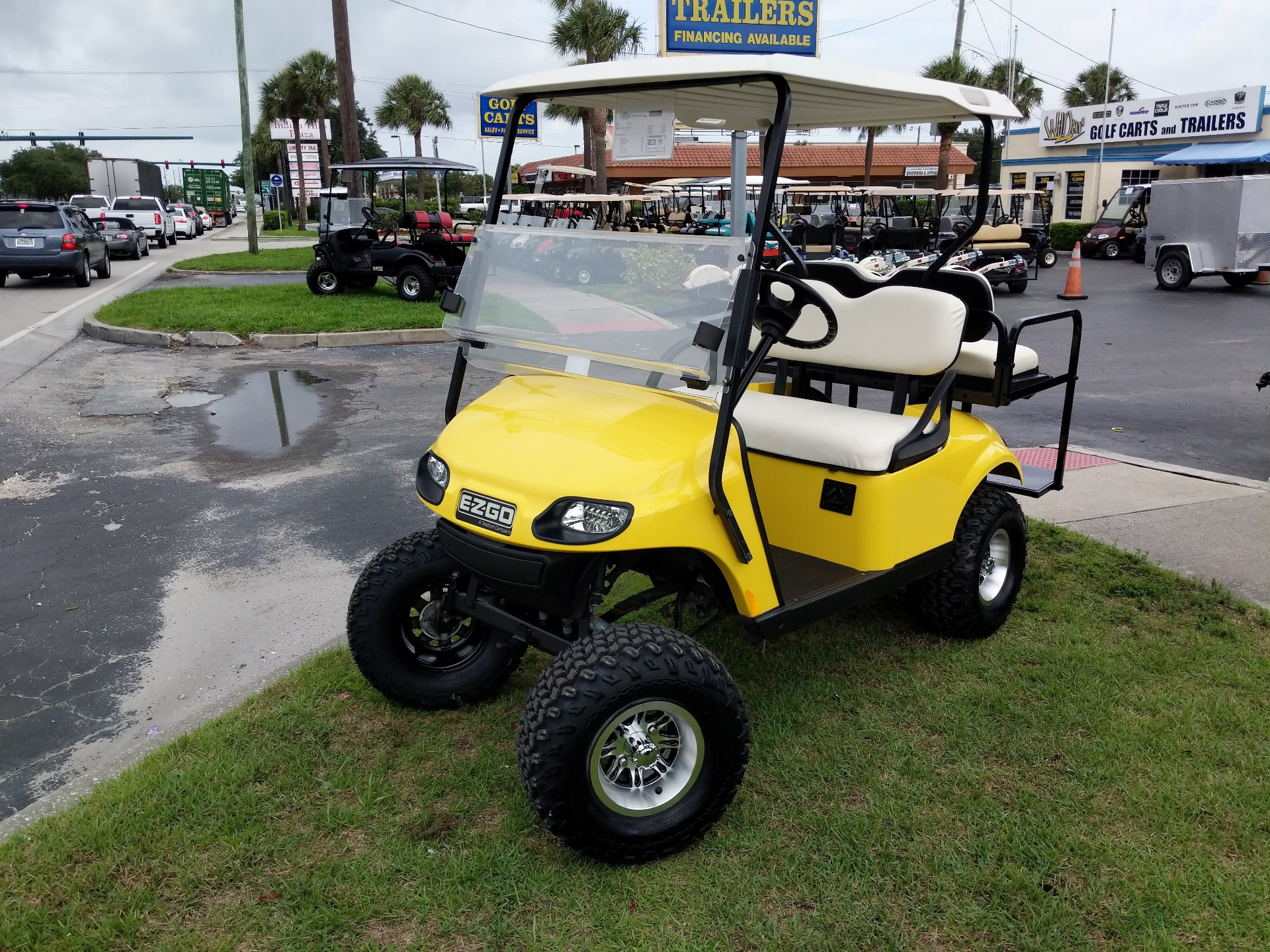 2014 E-Z-Go Lifted 4 Passenger TXT in Fort Pierce, Florida