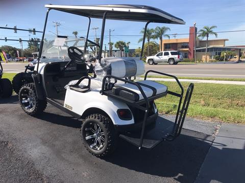 2019 E-Z-GO Express S4 Electric in Fort Pierce, Florida - Photo 3