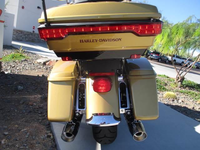 2017 Harley-Davidson Road Glide® Ultra in Scottsdale, Arizona