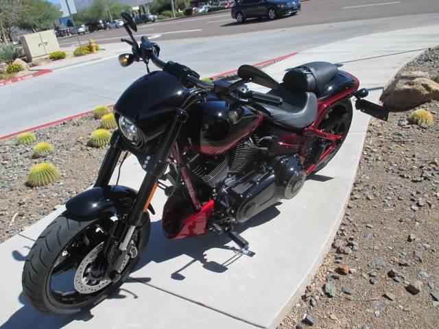 2017 Harley-Davidson CVO™ Pro Street Breakout® in Scottsdale, Arizona