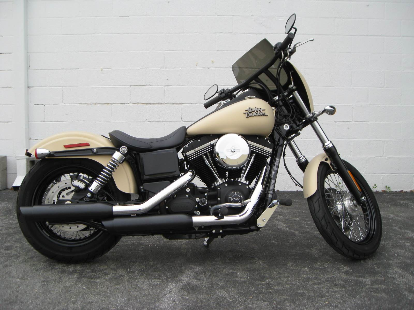2014 Harley-Davidson Dyna® Street Bob® in Gaithersburg, Maryland