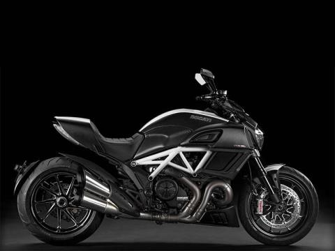 2015 Ducati Diavel Carbon in Gaithersburg, Maryland
