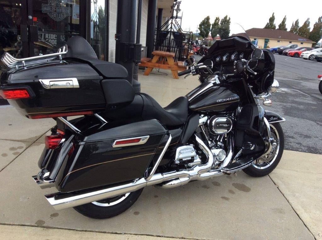 2017 Harley-Davidson Ultra Limited in Frederick, Maryland - Photo 6