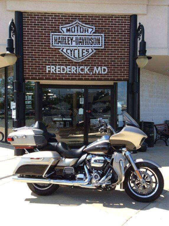 2018 Harley-Davidson Road Glide® Ultra in Frederick, Maryland - Photo 1