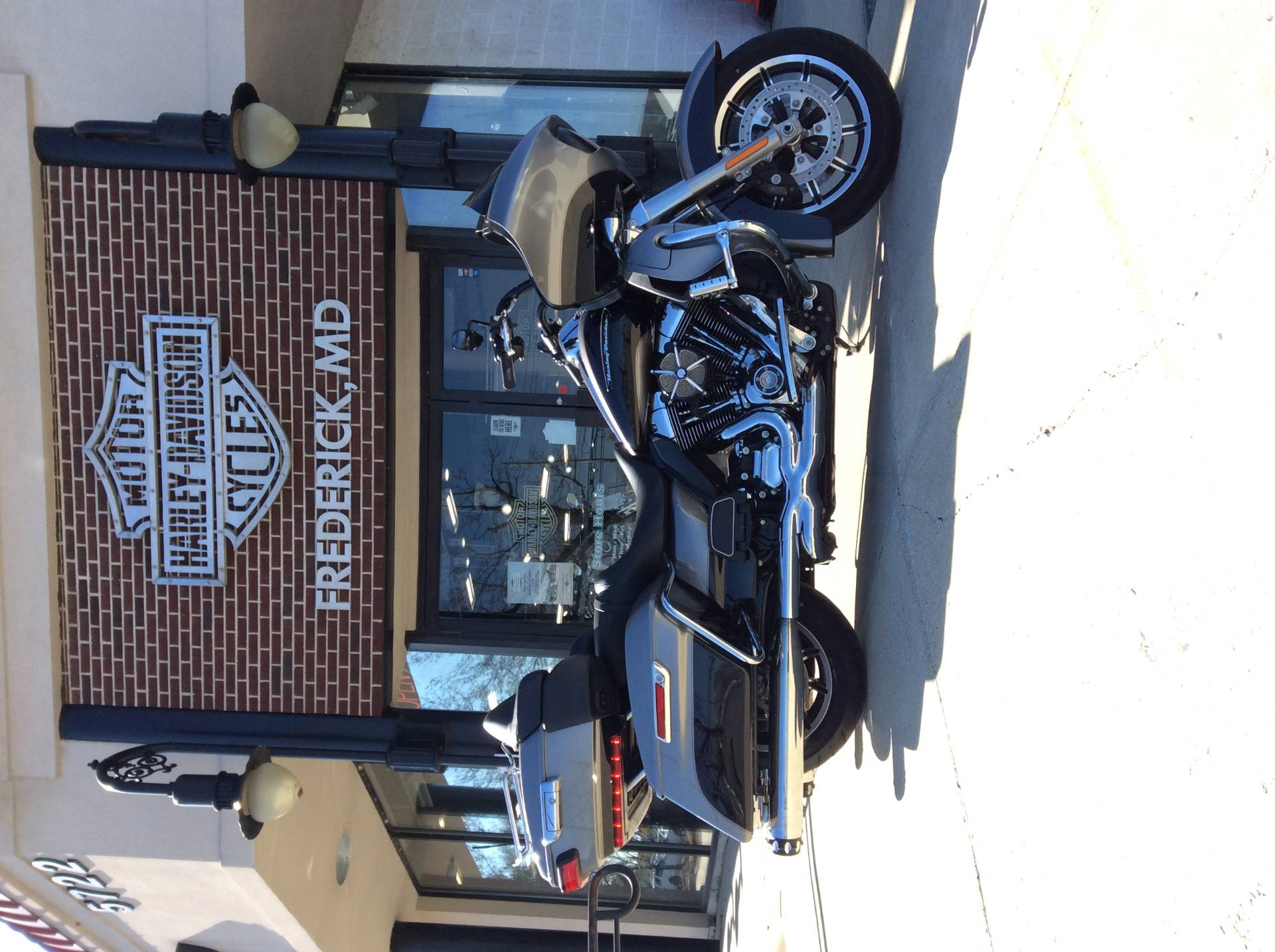 2016 Harley-Davidson Road Glide® Ultra in Frederick, Maryland - Photo 3