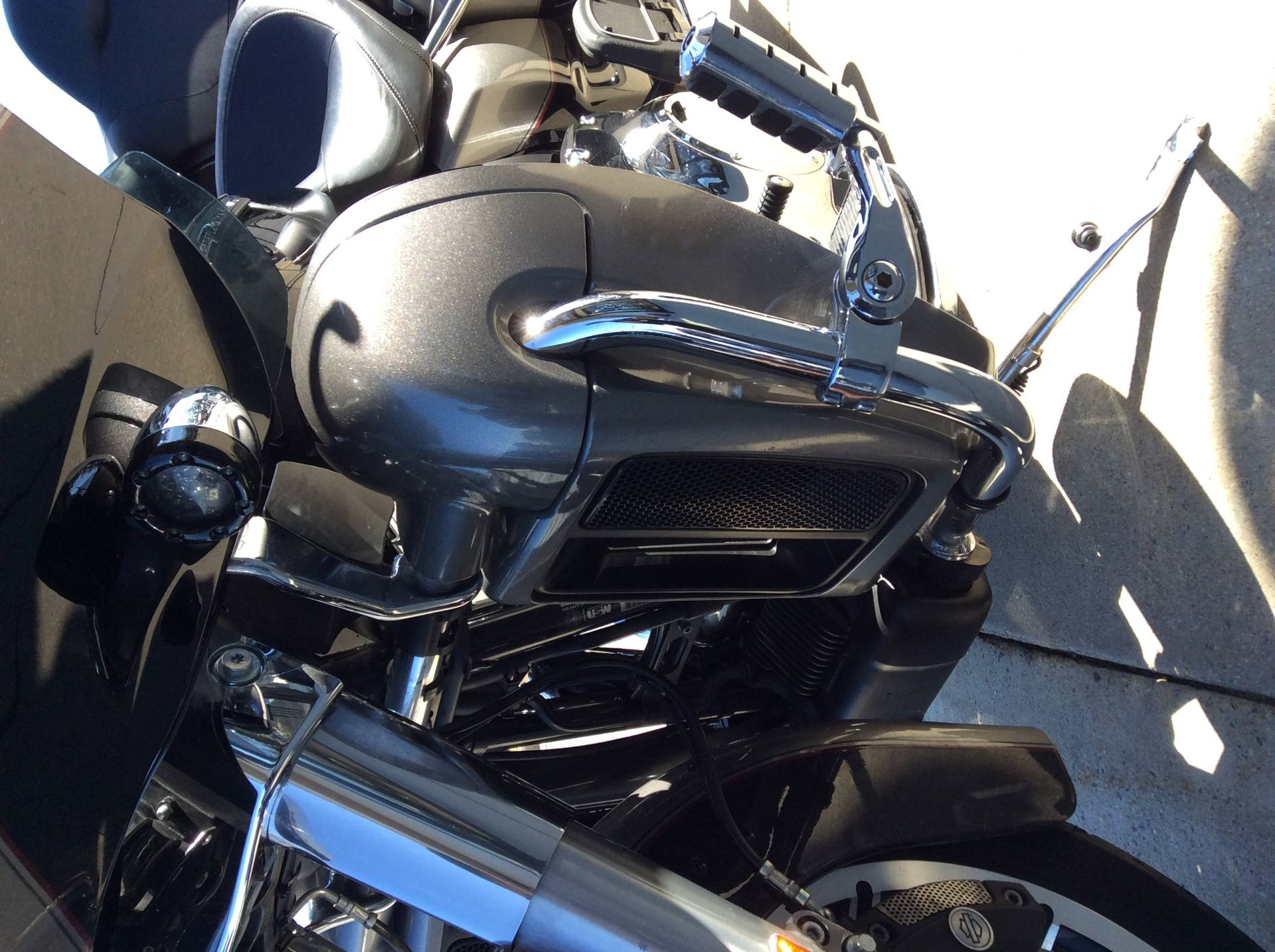 2016 Harley-Davidson Road Glide® Ultra in Frederick, Maryland - Photo 9