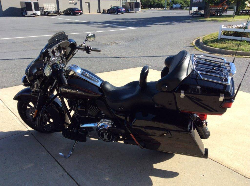2010 Harley-Davidson CVO™ Ultra Classic® Electra Glide® in Frederick, Maryland - Photo 10