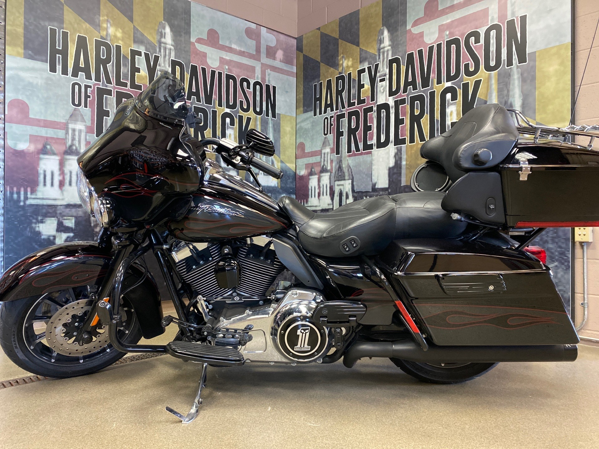 2010 Harley-Davidson CVO™ Ultra Classic® Electra Glide® in Frederick, Maryland - Photo 1