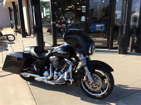 2013 Harley-Davidson Street Glide® in Frederick, Maryland - Photo 4