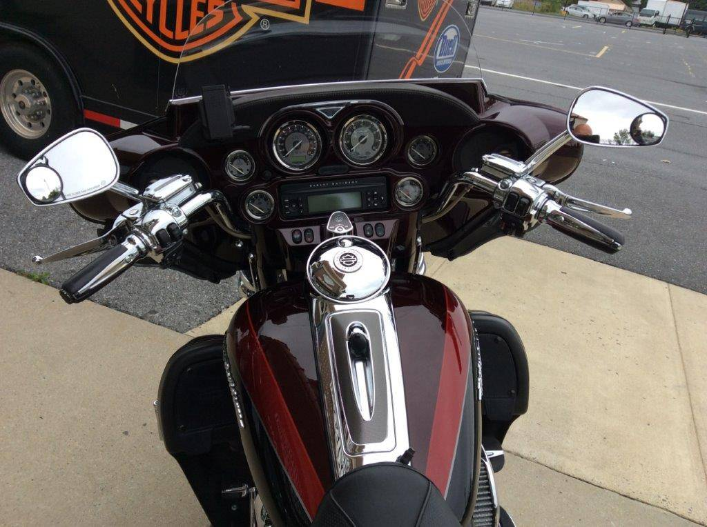 2013 Harley-Davidson CVO™ Ultra Classic® Electra Glide® in Frederick, Maryland - Photo 4