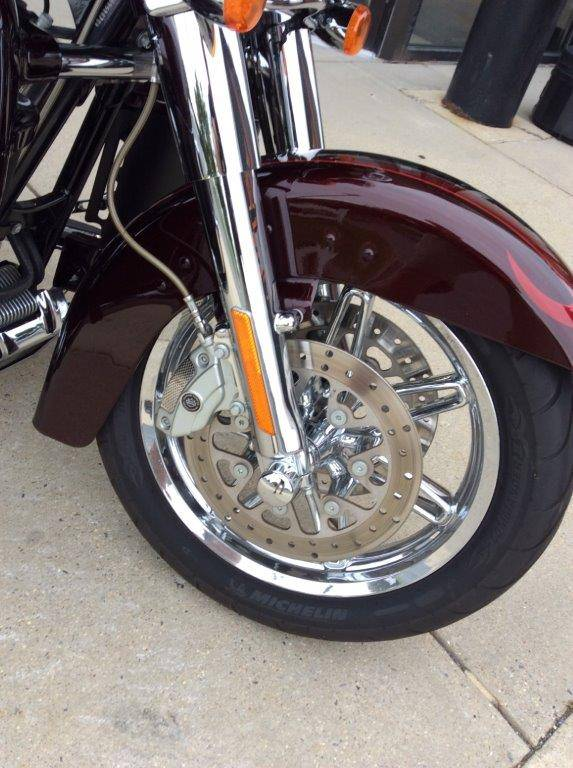 2013 Harley-Davidson CVO™ Ultra Classic® Electra Glide® in Frederick, Maryland - Photo 9