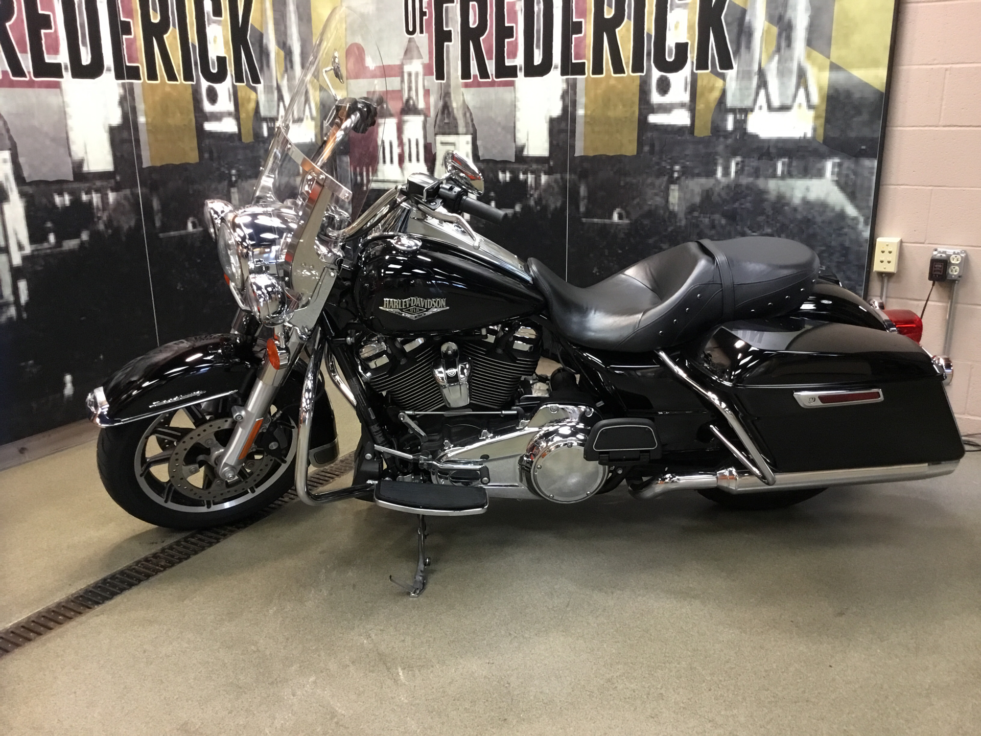 2018 Harley-Davidson Road King® in Frederick, Maryland - Photo 2