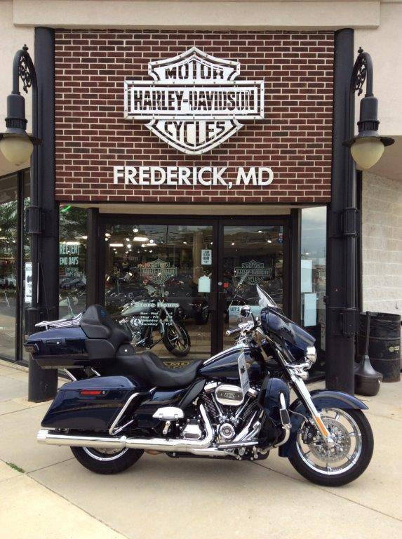 2018 Harley-Davidson FLHTKSE CVO ANV in Frederick, Maryland - Photo 2