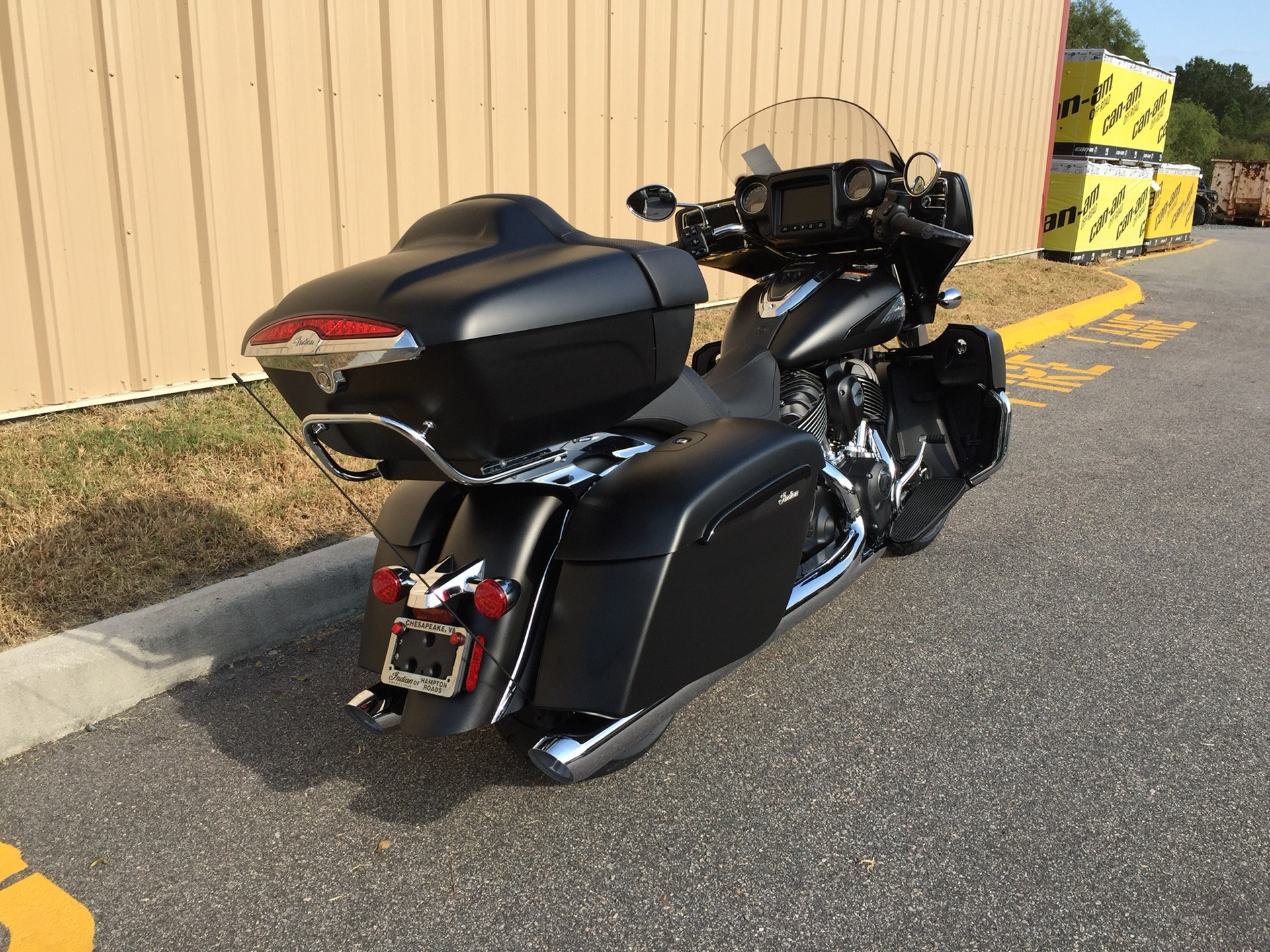 2020 Indian Roadmaster® Dark Horse® in Chesapeake, Virginia - Photo 2