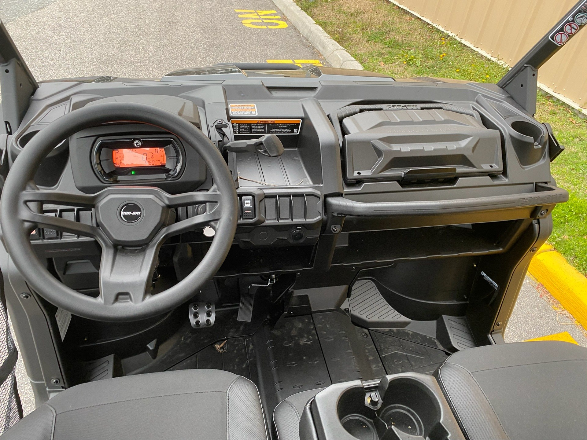 2020 Can-Am Defender Pro XT HD10 in Chesapeake, Virginia - Photo 7
