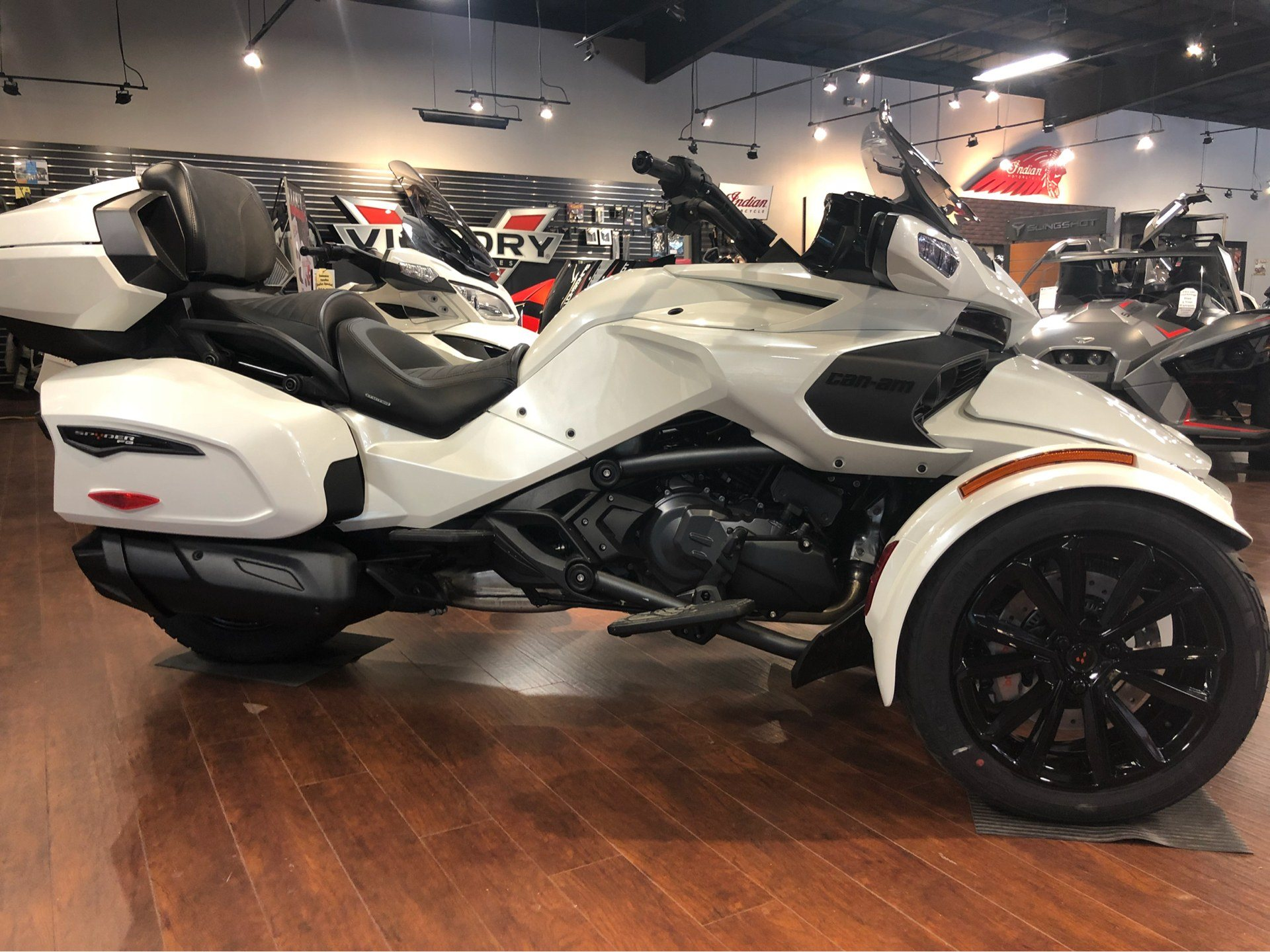 2018 Can-Am™ Spyder F3 Limited 1