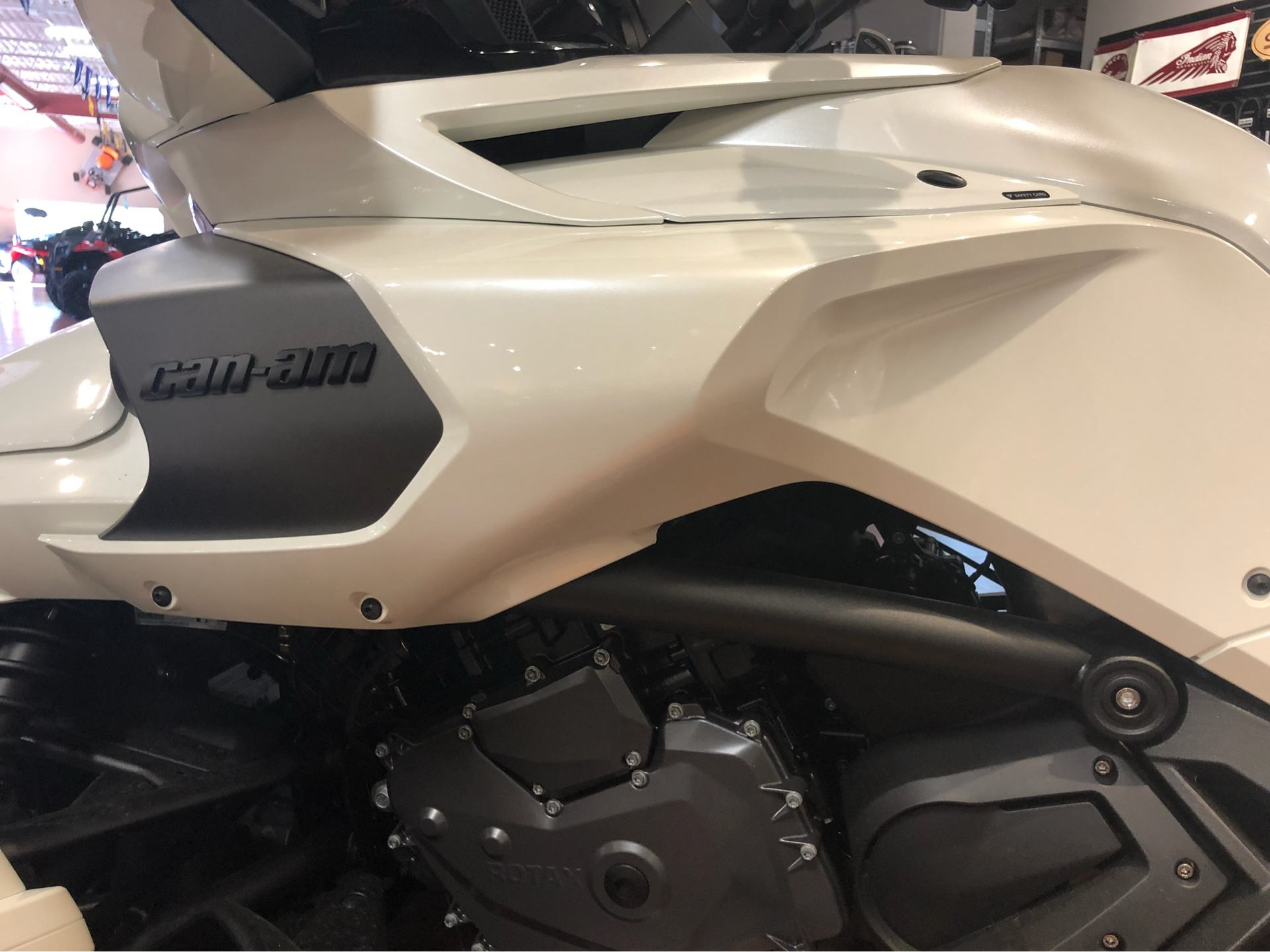 2018 Can-Am™ Spyder F3 Limited 5