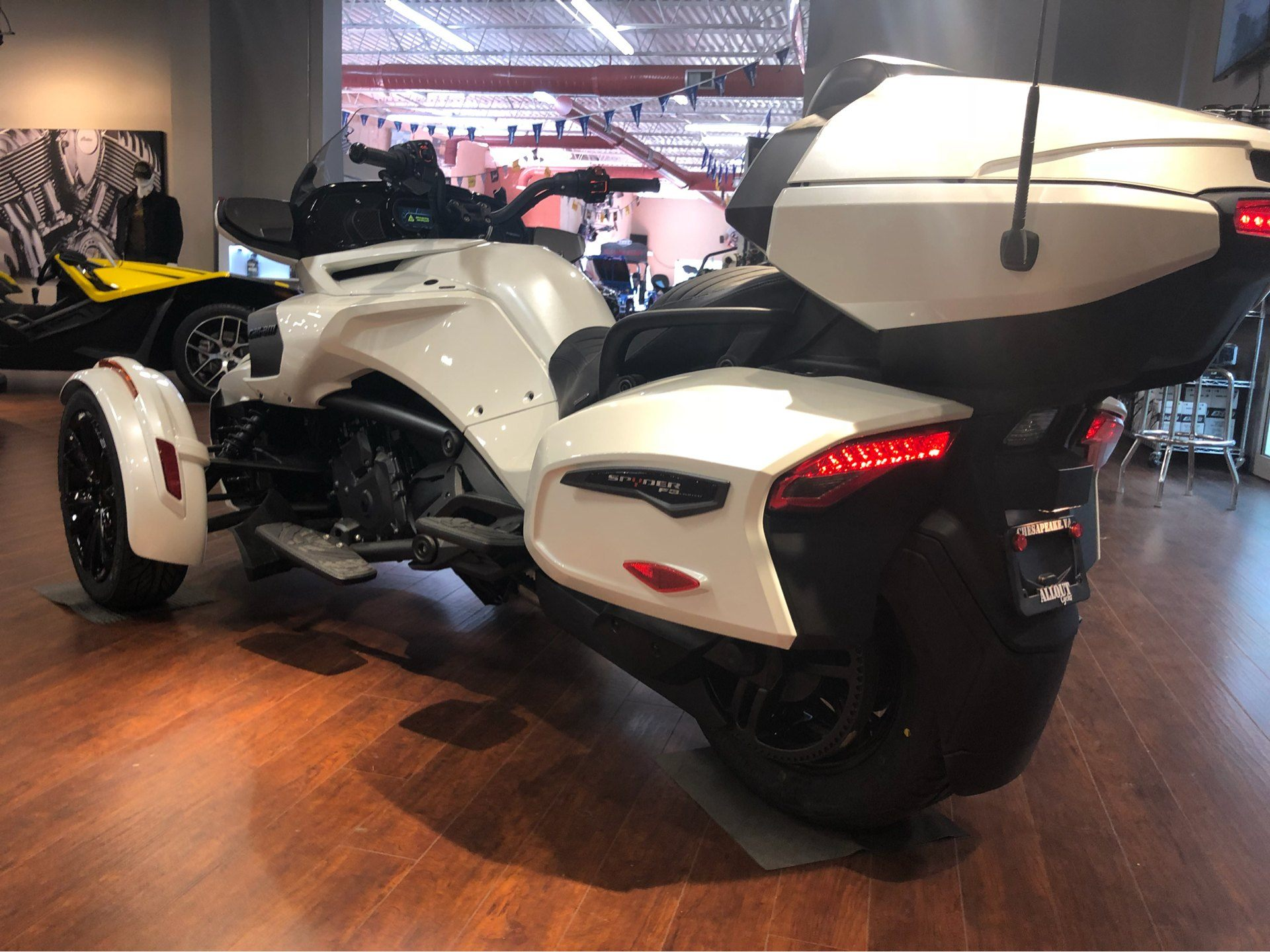 2018 Can-Am™ Spyder F3 Limited 7