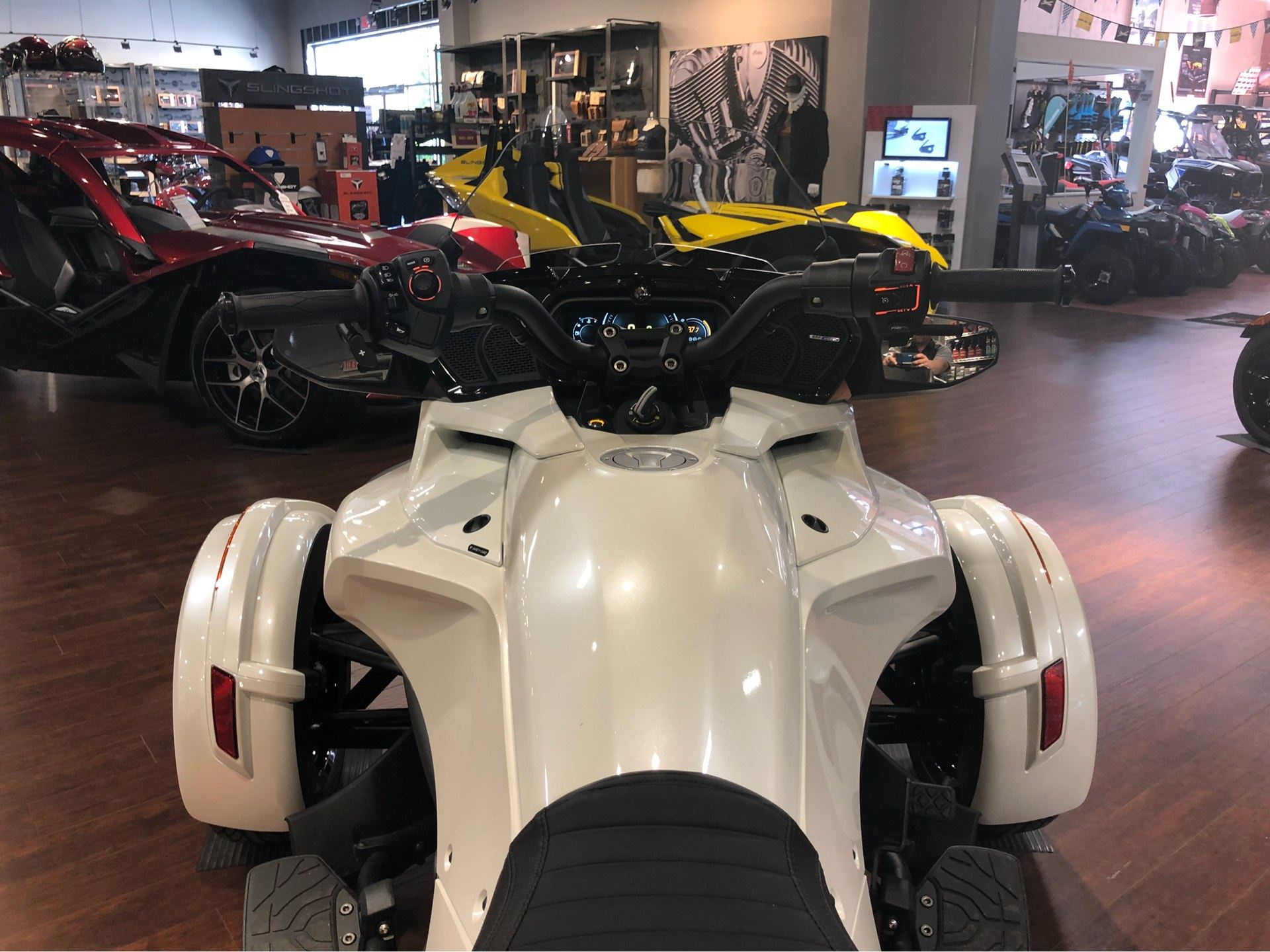 2018 Can-Am™ Spyder F3 Limited 9
