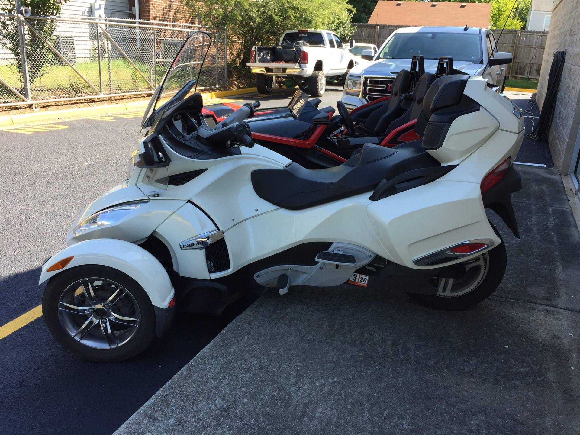 2011 Can-Am Spyder® RT Limited in Chesapeake, Virginia - Photo 1