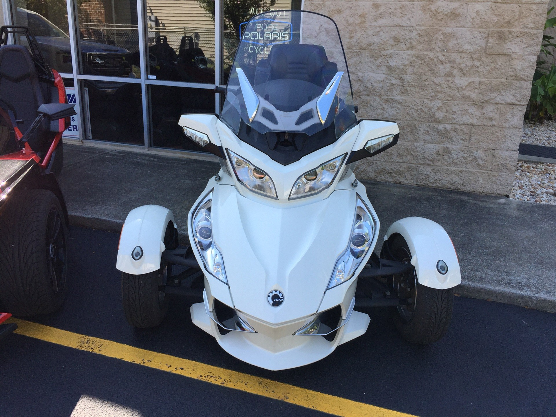 2011 Can-Am Spyder® RT Limited in Chesapeake, Virginia - Photo 3